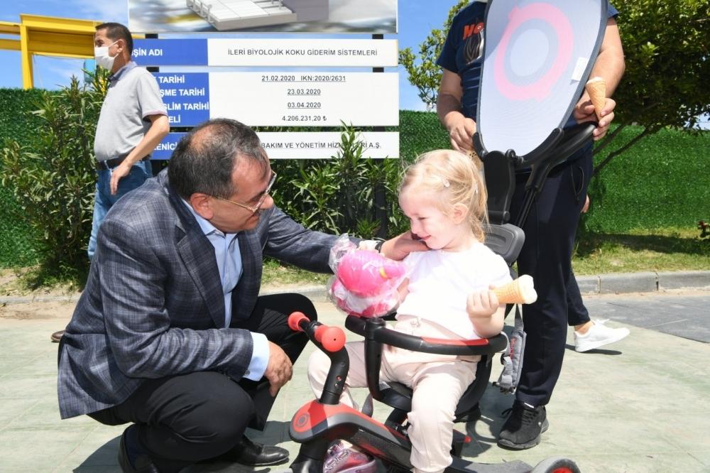 Başkan Demir, sahada vatandaşlarla iç içe