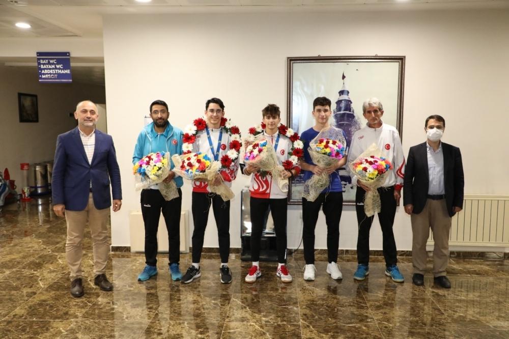 Badminton Şampiyonası'ndan madalya ile döndüler